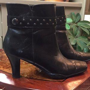 Aerosoles black boots